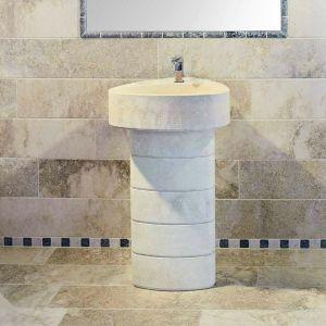 Pavimentazione e Rivestimento e lavabo con travertini - Ciottoli di Torresan