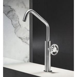Rubinetto per lavabo in acciaio inox con maniglia ad ingranaggio di design steampunk modello Kàto - Radomonte - Edilvetta Verona