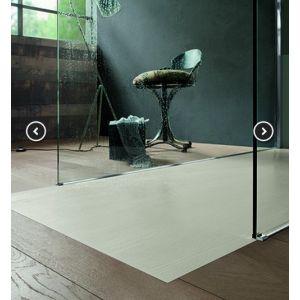 Piatto doccia in Pietrablu effetto legno per posa filo pavimento Woody - Arblu - Edilvetta Verona